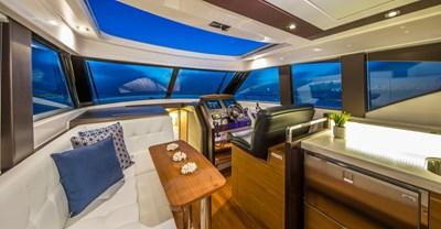 New Tiara 39 Coupe Yacht Salon