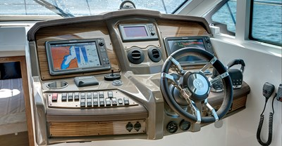 New Cruisers 45 Cantius Yacht Helm