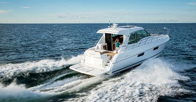 New Cruisers 48 Cantius Yacht Aft Running