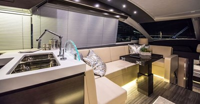 New Cruisers 60 Cantius Yacht Dinette