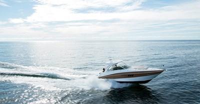 New Cruisers 38 Express Yacht Running
