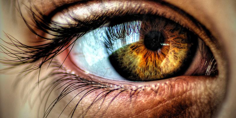 #color #ojos #bebés ¿Porqué los bebés cambian el color delos ojos? ¿De qué color serán los ojos de mis hijos?