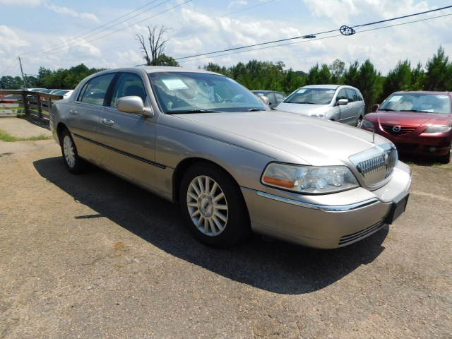2003 Gold Lincoln Town Car East Wake Auto Sales