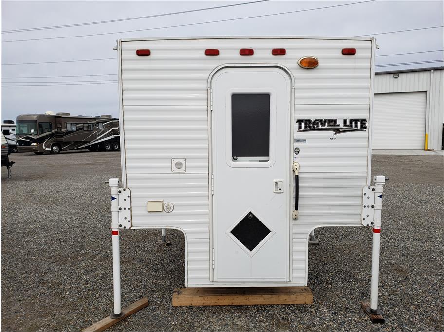 2015 White Travel Lite 690 FD - Warner Auto Center & Big Bear RV