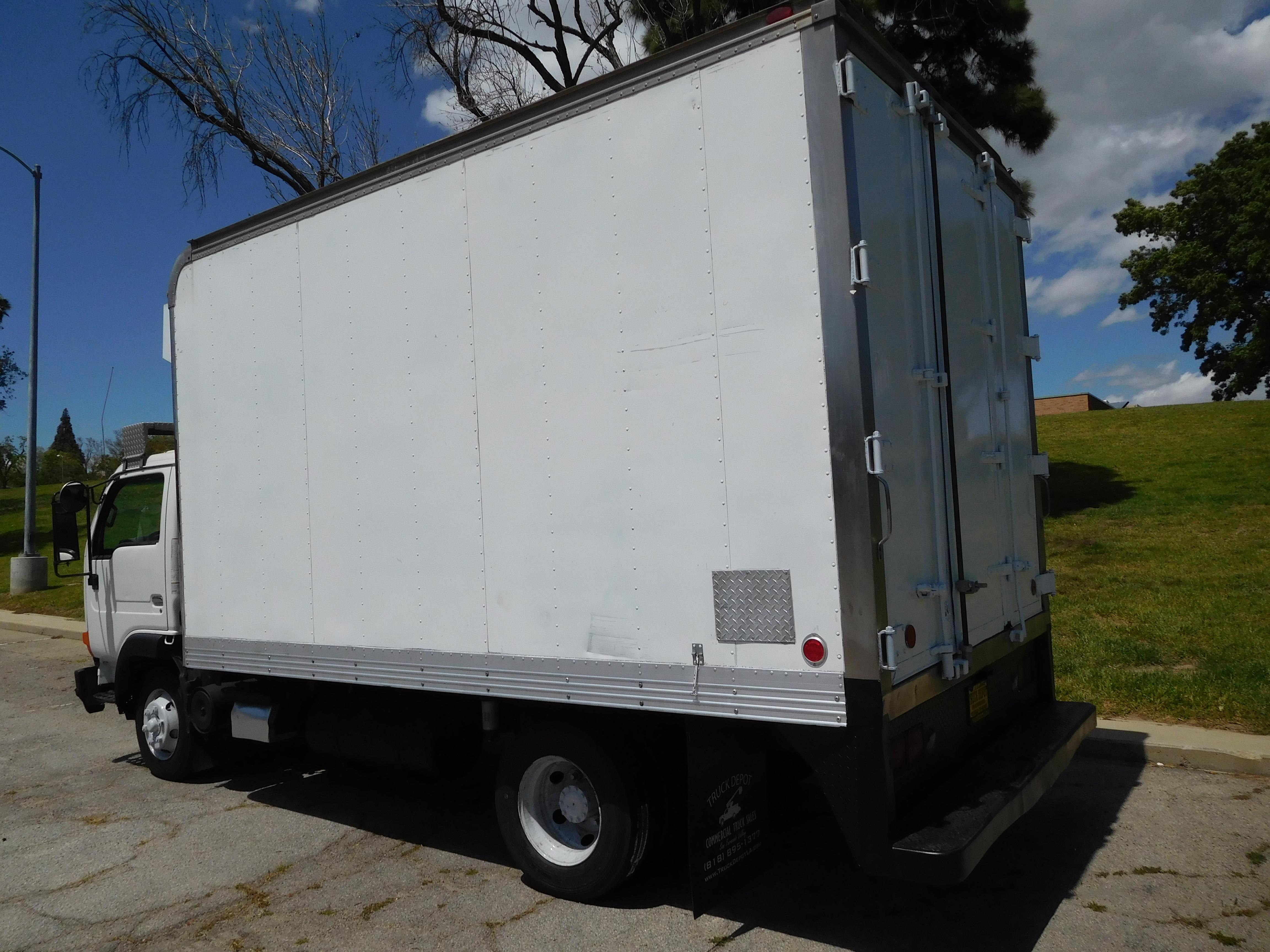 2000 white nissan ud 1800 cs truck depot rh truckdepotofla com 1992 Nissan  Ud 1800 Manual Nissan UD 1400 Join Lines
