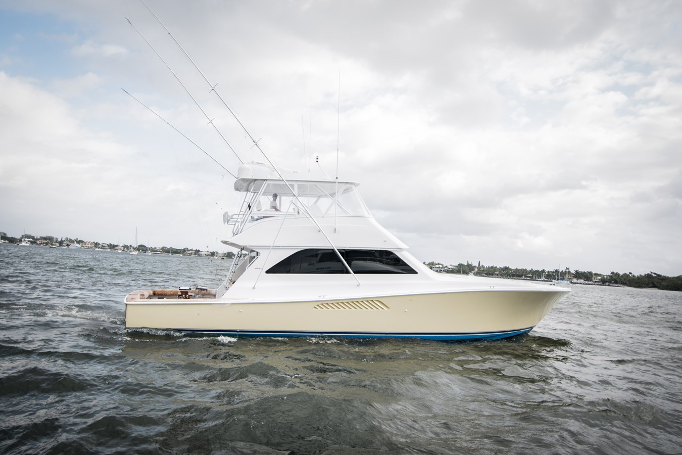 2002 VIKING 55' Convertible For Sale