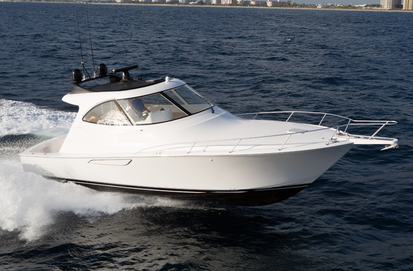 Viking 42 Sport Coupe Main Photo