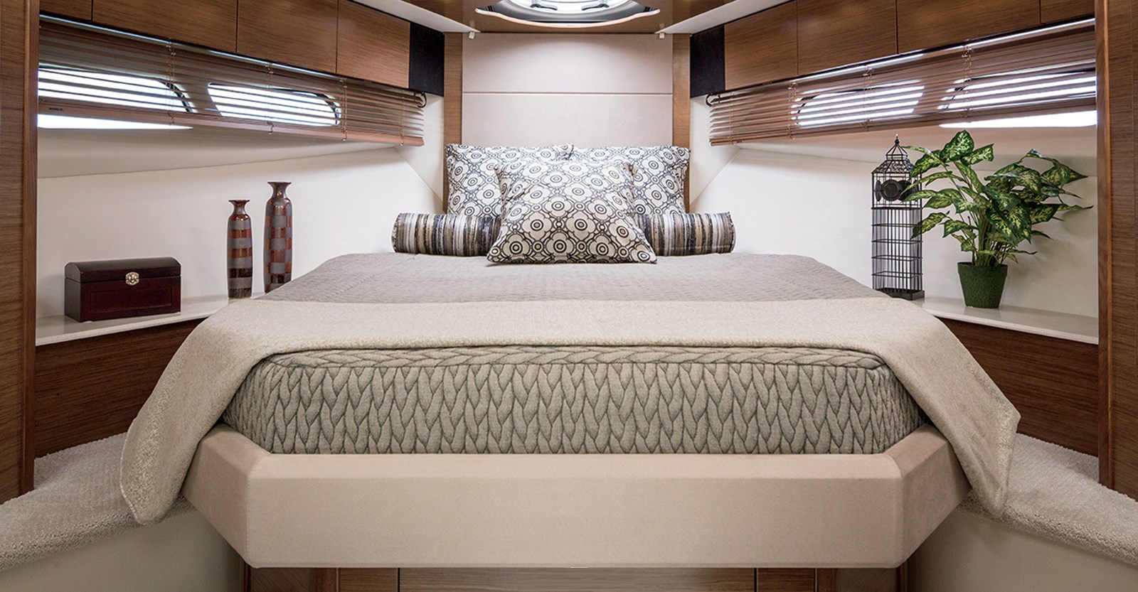 New Cruisers 45 Cantius Yacht Master Stateroom