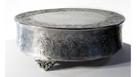 """Image of a Aluminum Cake Stand, 18"""""""