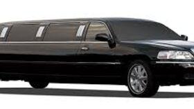 Image of a 8 Passenger Black Town Car Limousine Rental