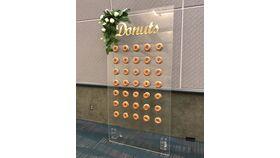 Image of a 4' x 8' Plexiglas Donut Wall
