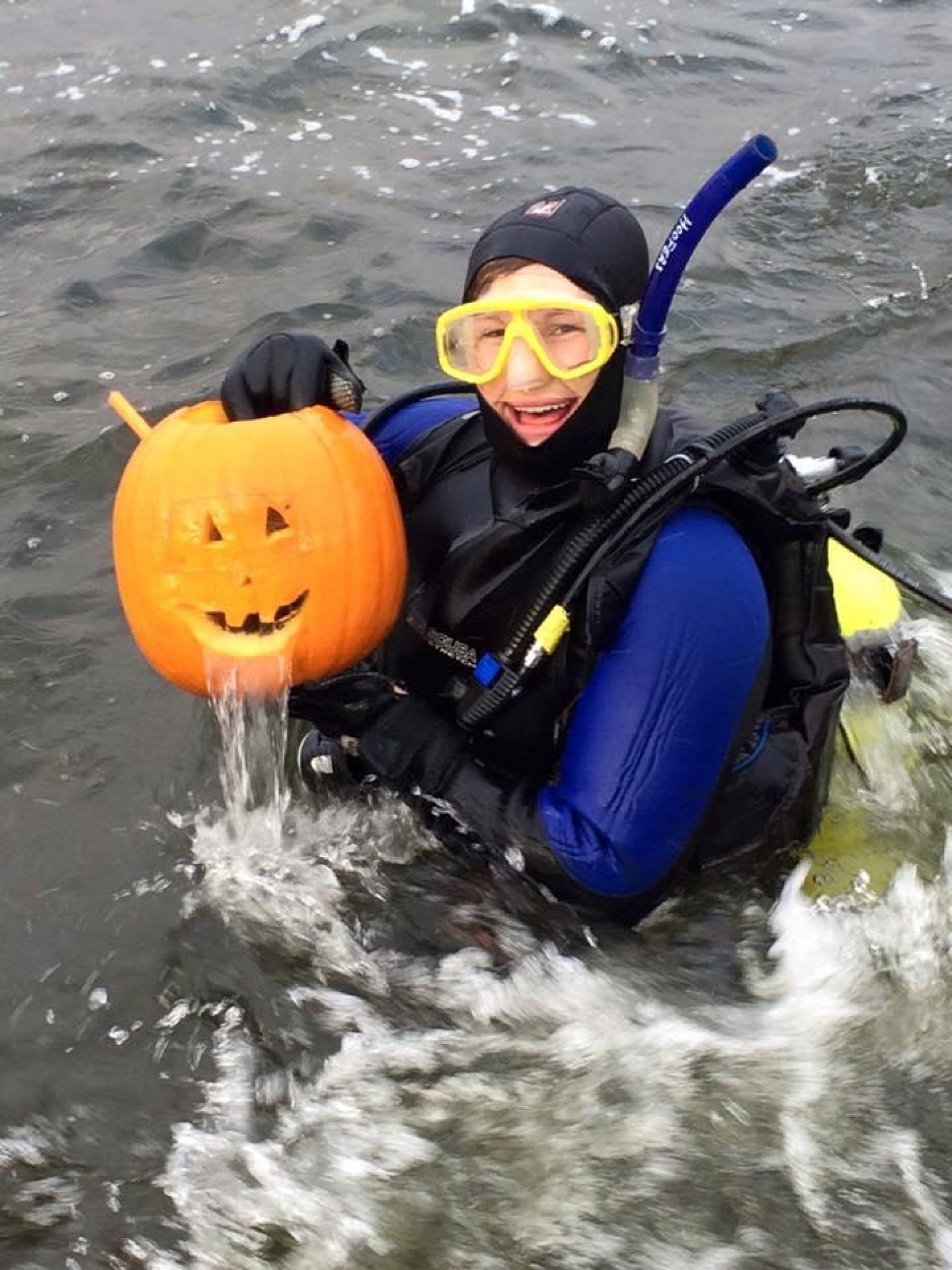 Scuba Pumpkin Carving