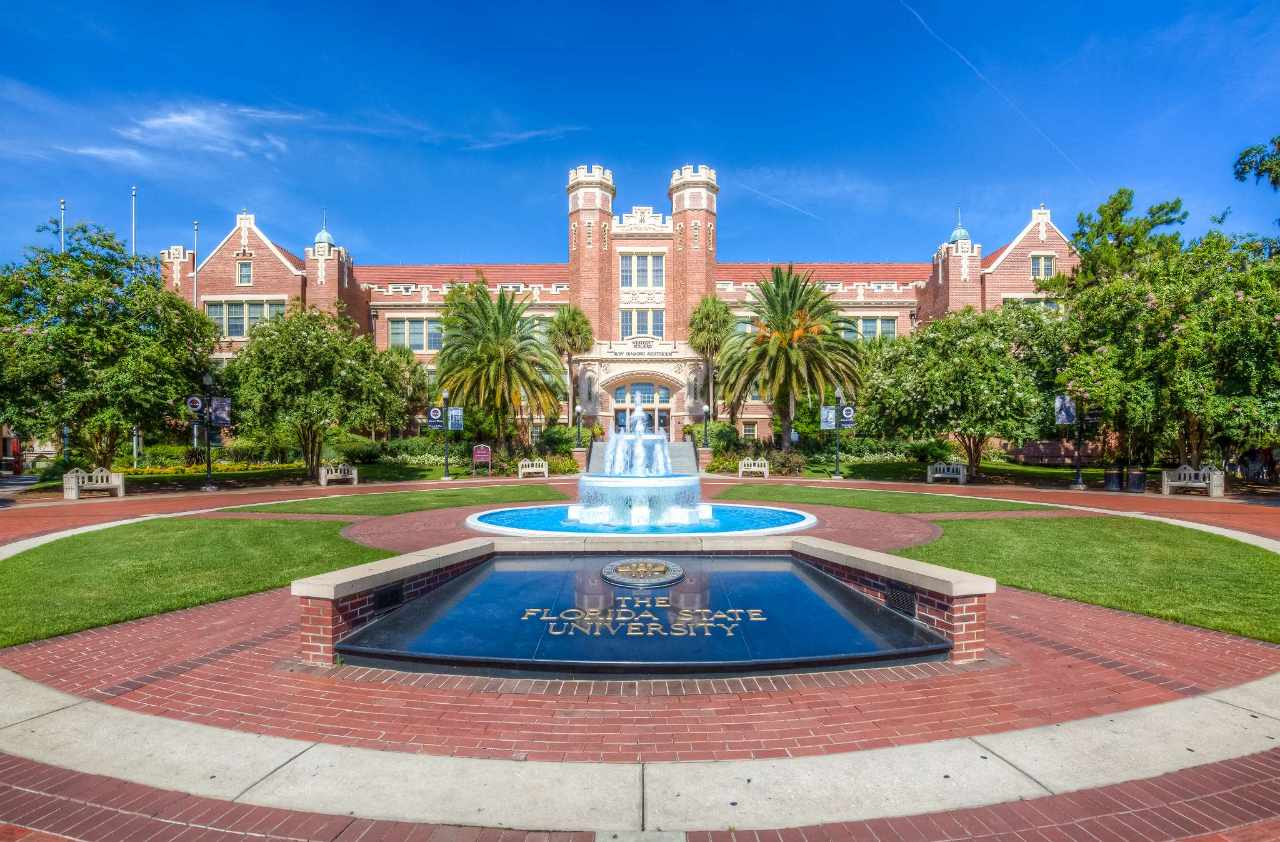 Experience Florida State University in Virtual Reality  Press Alt