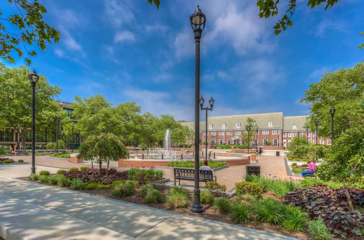 Experience Farmingdale State College In Virtual Reality