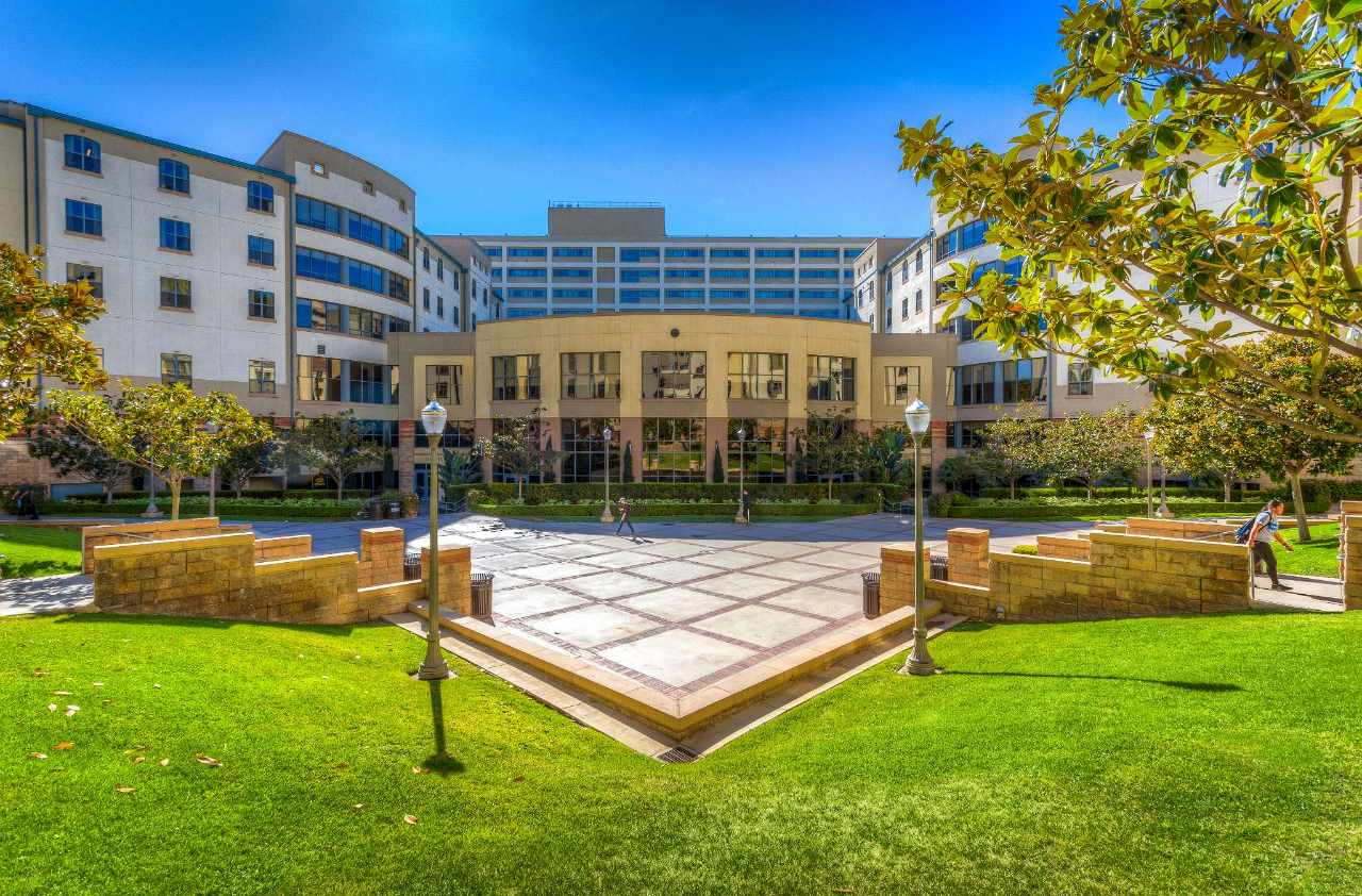 Experience UCLA - Housing in Virtual Reality